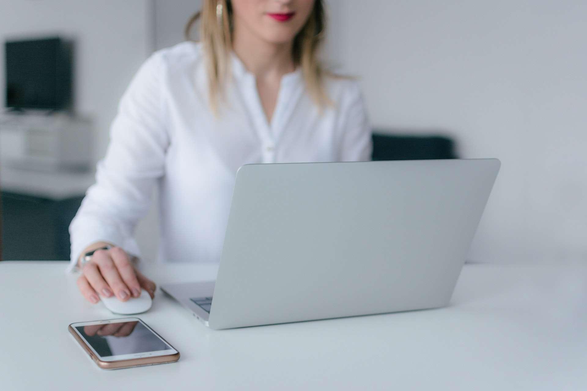Contatti e informazioni su procedure e costi
